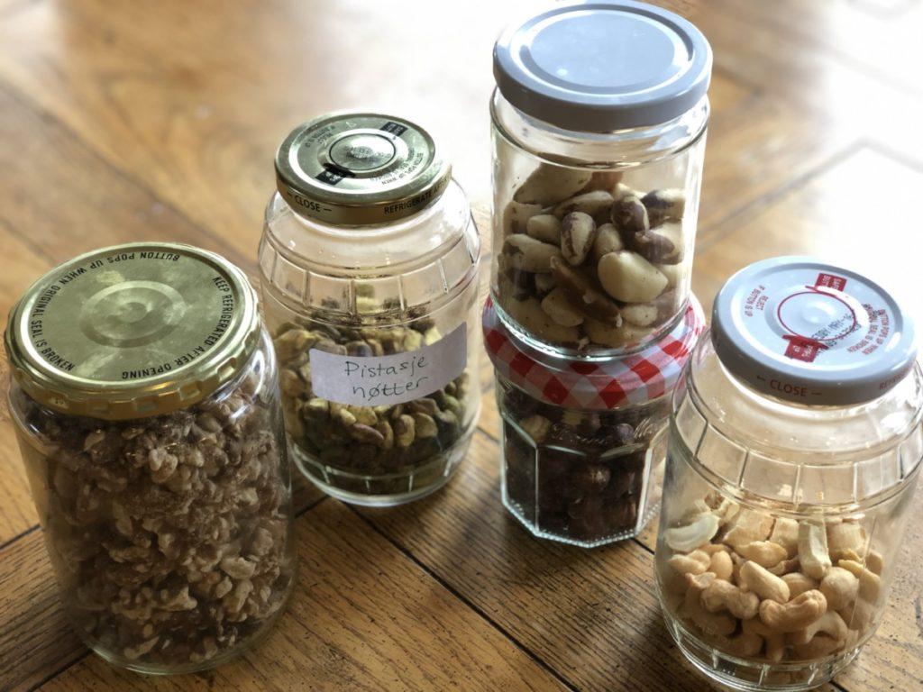 nøtter, lavkarbo snacks og mellommåltid