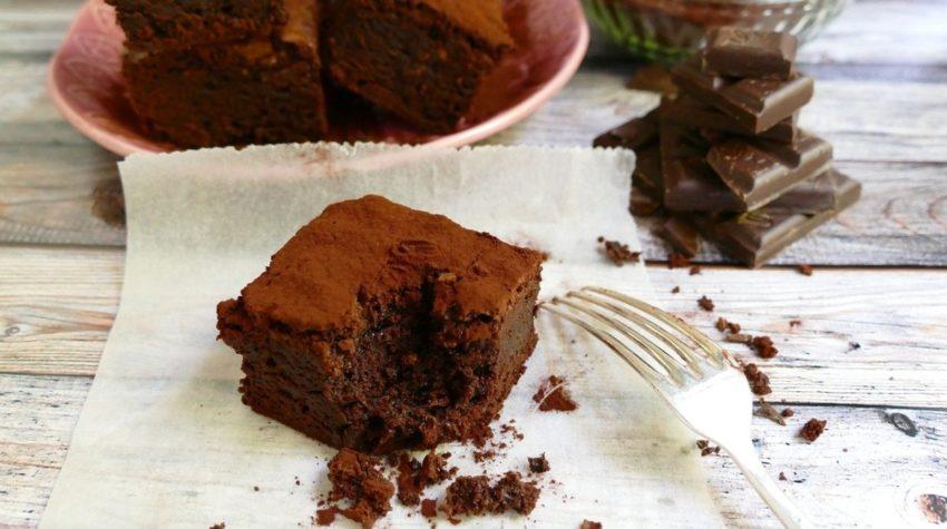 Italiensk sjokoladekake, lavkarbo, med olivenolje